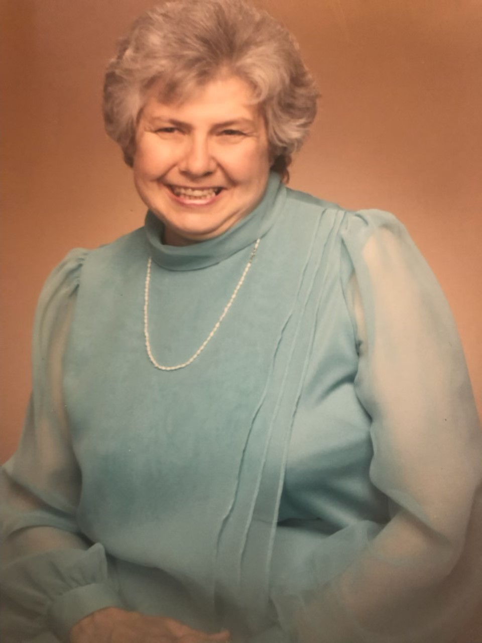 Evelyn Cengeri